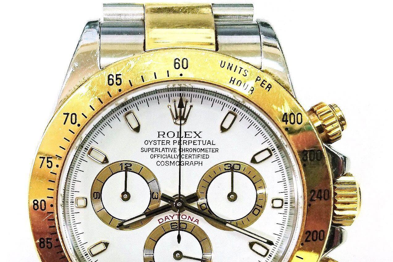 ロレックス デイトナのオーバーホールと外装研磨 <p>オーバーホールと外装研磨のご依頼です。15,000円以上のお見積りで腕時計専用梱包キットを無料でお送り致しますので、大切な時計も安心してお送りください。</p>