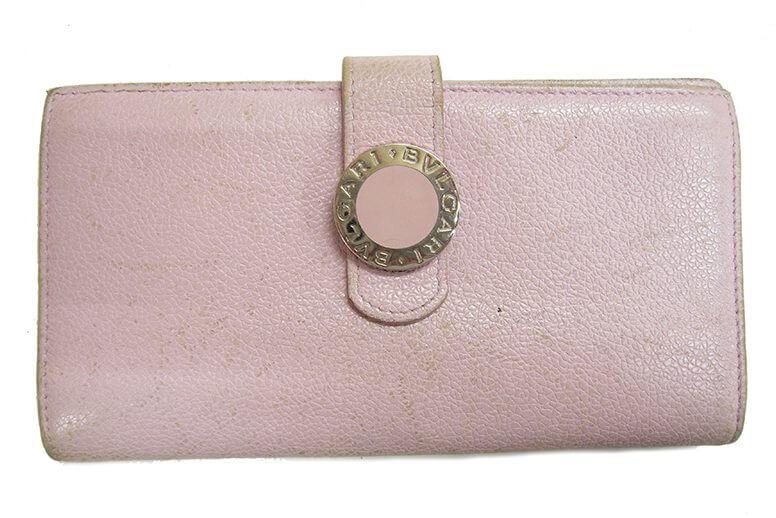 ブルガリ 長財布の色修復|<p>ピンクが可愛くて買ったのに年々色あせて来てしまったとトータルケアのご依頼。初めて宅配修理に出すと言うことでご不安もあった様ですが、購入当時に戻った様だとお喜び頂けました。</p>