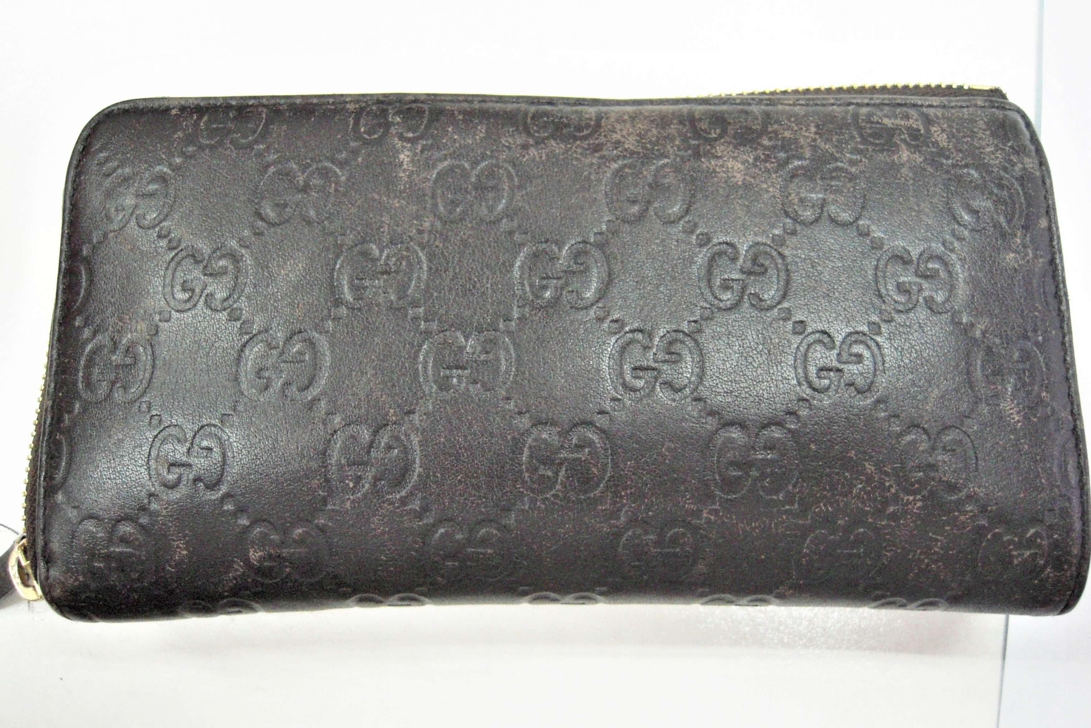 グッチ グッチシマ長財布の色修復|<p>思い出のお財布なので長く使いたいとベーシックケアをご依頼頂きました。若干乾燥気味だったのでしっかり保湿をして色修復。定期的なメンテナンスが長持ちする秘訣です。</p>