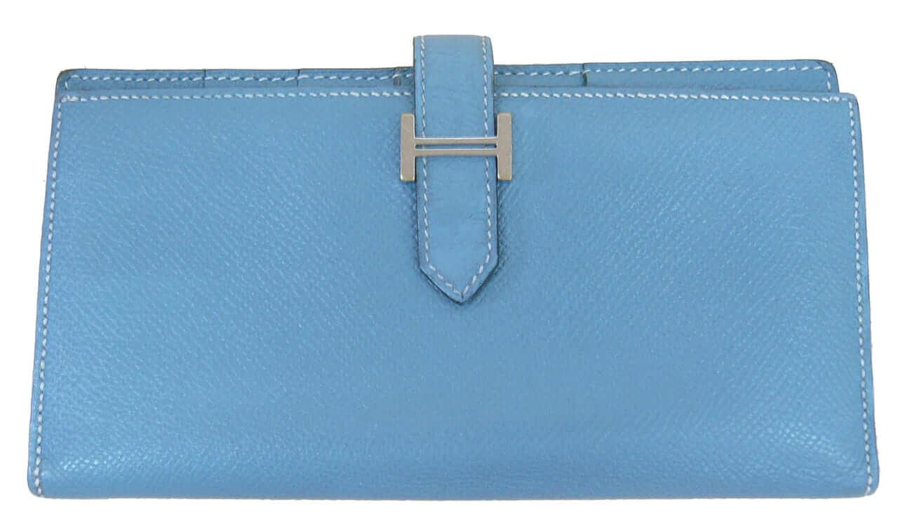 エルメス ベアンスフレの色修復|<p>毎日使うお財布は擦れたり黒ずんでしまいますね。ベーシックケアで元のお色によみがえり気持ちよくお使い頂ける様になりました。</p>
