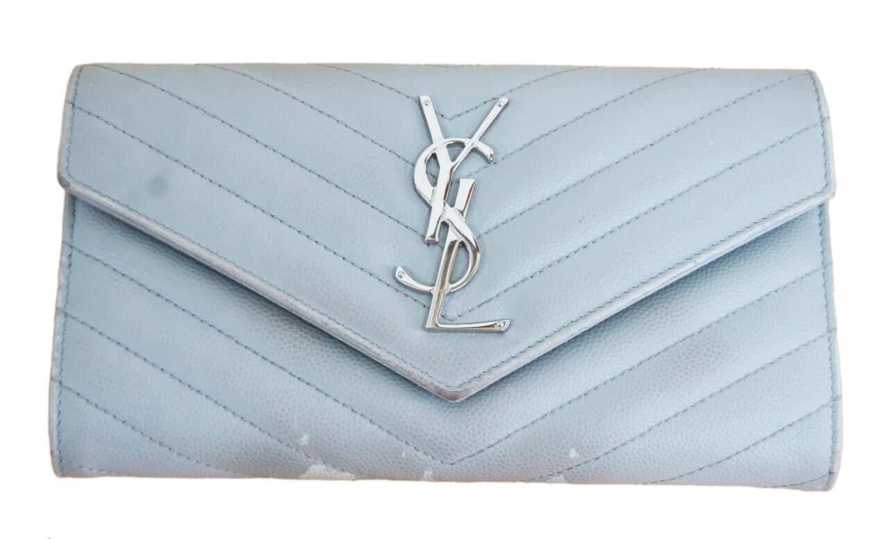 サンローラン 長財布の色修復|<p>お財布はよく触れる部分が汚れたり擦れたりしますが、ベーシックケアで復活です。</p>