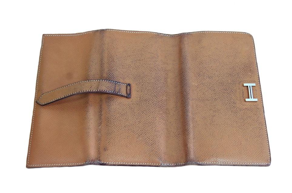 エルメス ベアン三つ折り財布の色修復|<p>【ベーシックケア】</p> <p>※外面のみ</p>